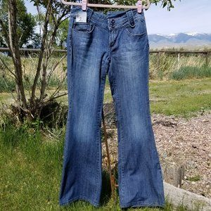 a.n.a Modern Flare Jeans Size 6 Long